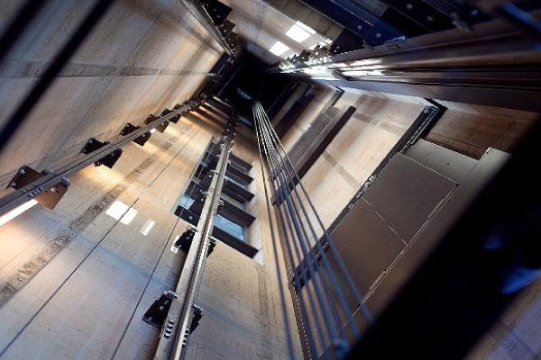 昇降機設備